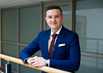 Tobiasz Folak, Manager in Advisory Department