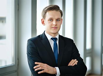 Alex Węklar, Prawnik