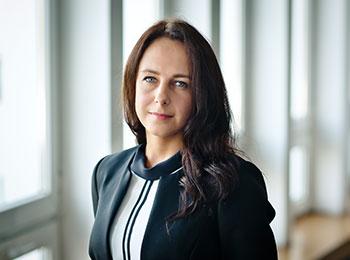 Agnieszka Węglarczyk, Pracownik administracji