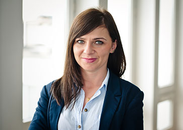 Karolina Linowska, Adwokat